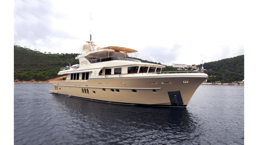 Sea Angel motor yacht master