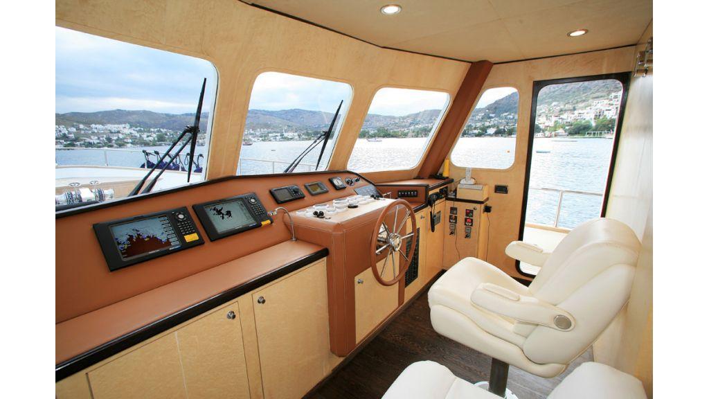 Dali motoryacht (12)