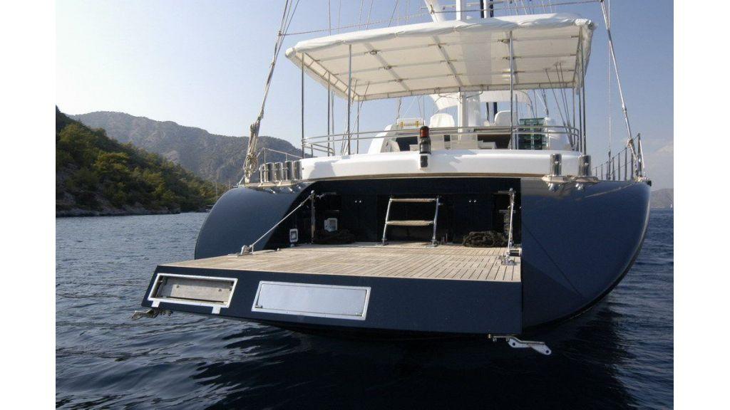 Custom Sailing Yacht (10)