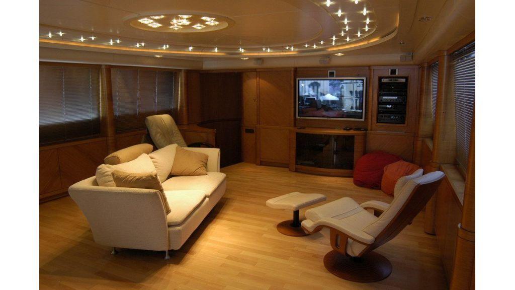 Custom Sailing Yacht (11)
