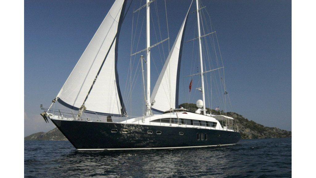 Custom Sailing Yacht (12)