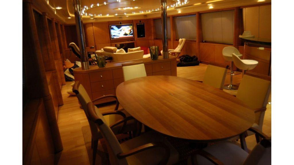 Custom Sailing Yacht (14)