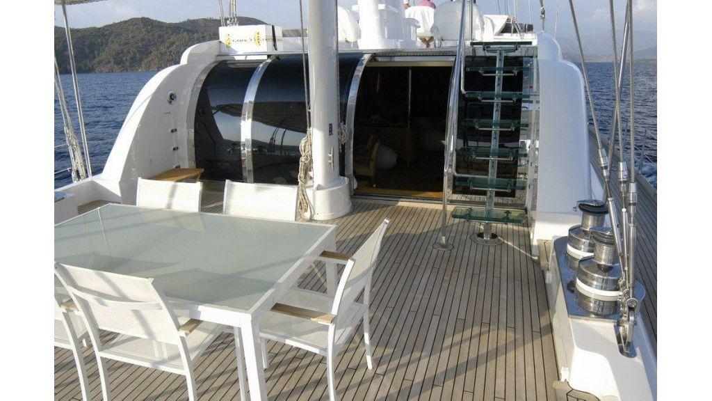 Custom Sailing Yacht (17)