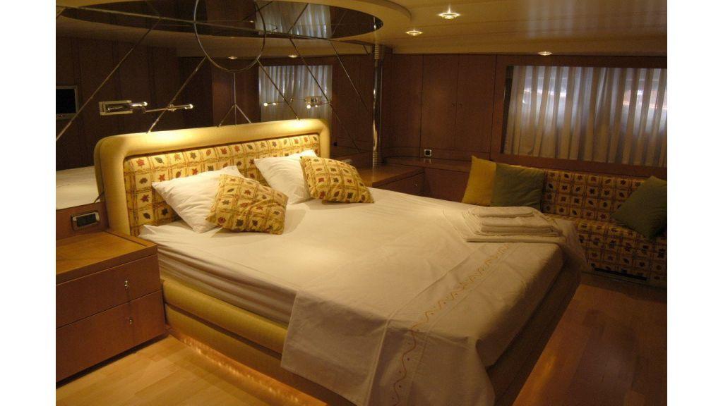 Custom Sailing Yacht (9)