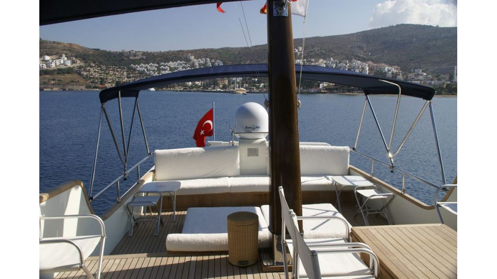 Dali-motor-yacht master