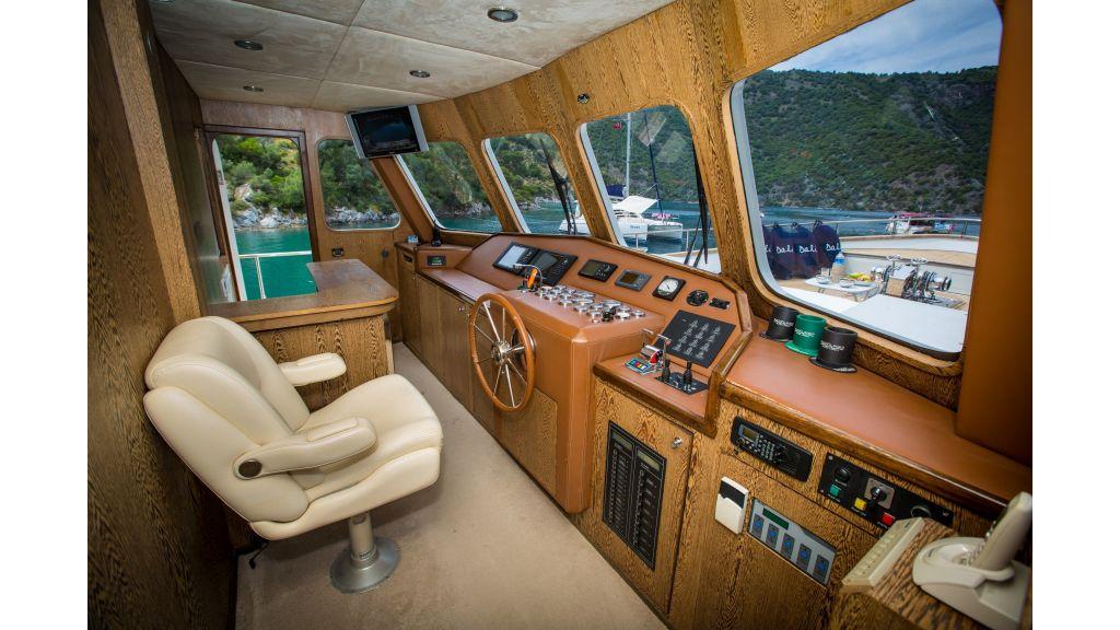 Dali TrawlerMotor Yacht (14)