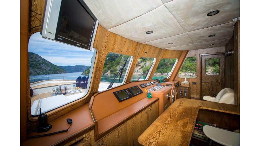 Dali TrawlerMotor Yacht (15)