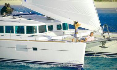 Lagoon 440  sailing cruising