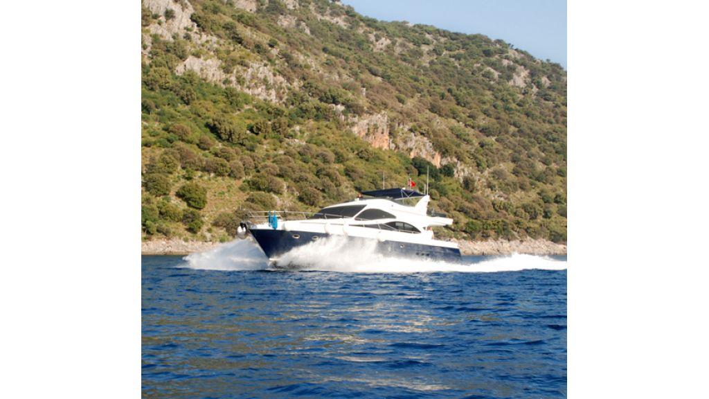 Fhoenix motoryacht (16)