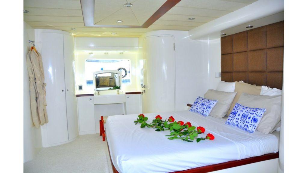 Fhoenix motoryacht (3)