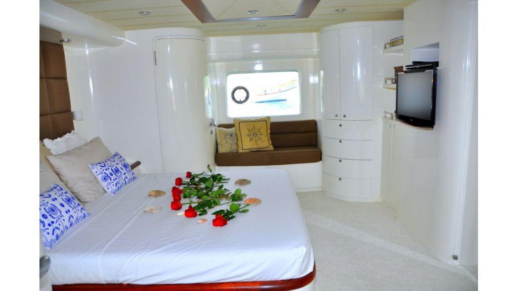 Fhoenix motoryacht (4)