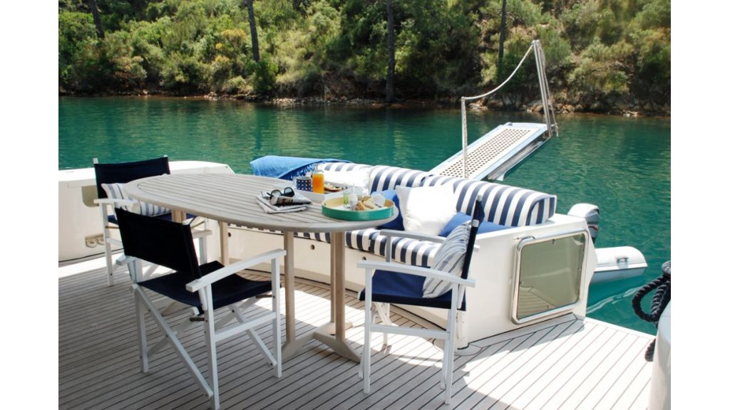 Fhoenix motoryacht (10)