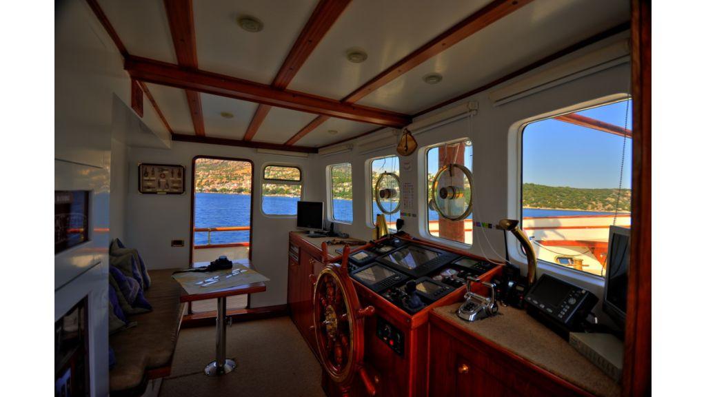 5096_classic motoryacht(43)