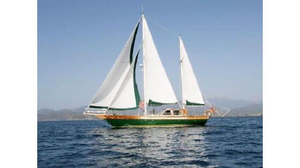 sailing yachtg