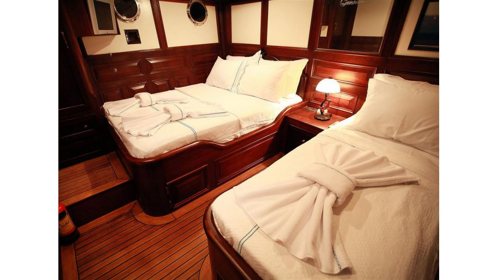 33 M GULET FOR SALE (13)