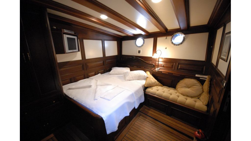 33 M GULET FOR SALE (21)