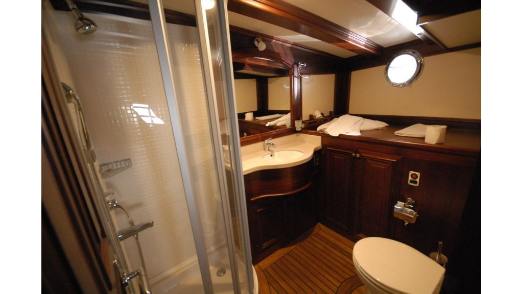 33 M GULET FOR SALE (29)