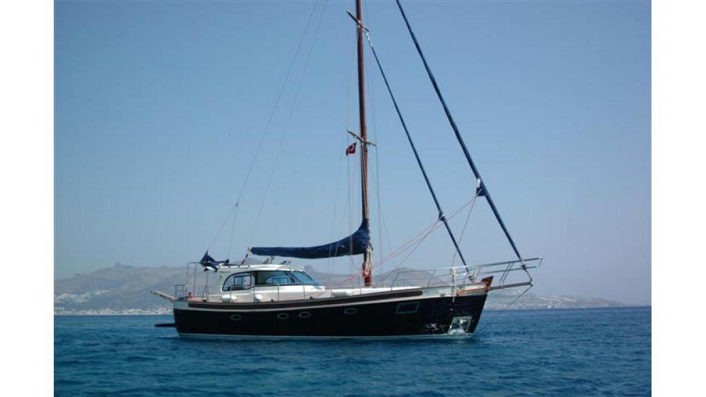 Sailing yacht (14)