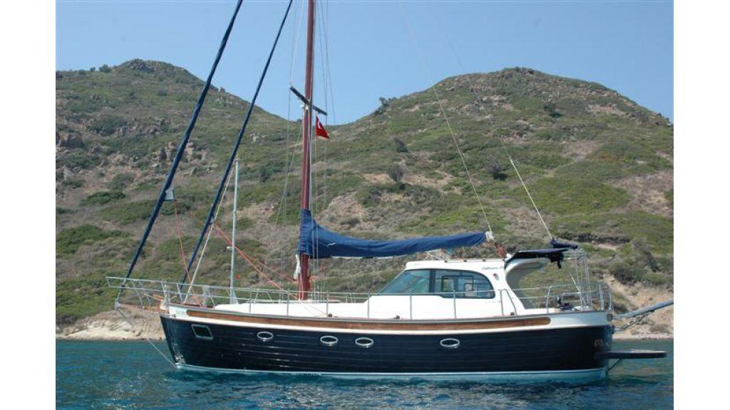 Sailing yacht (2)