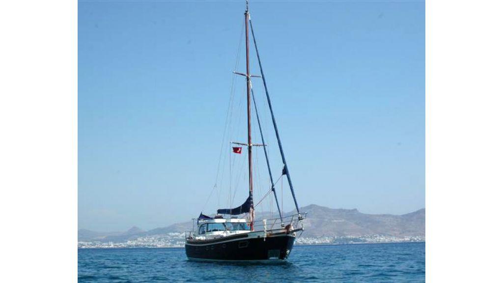 Sailing yacht (11)