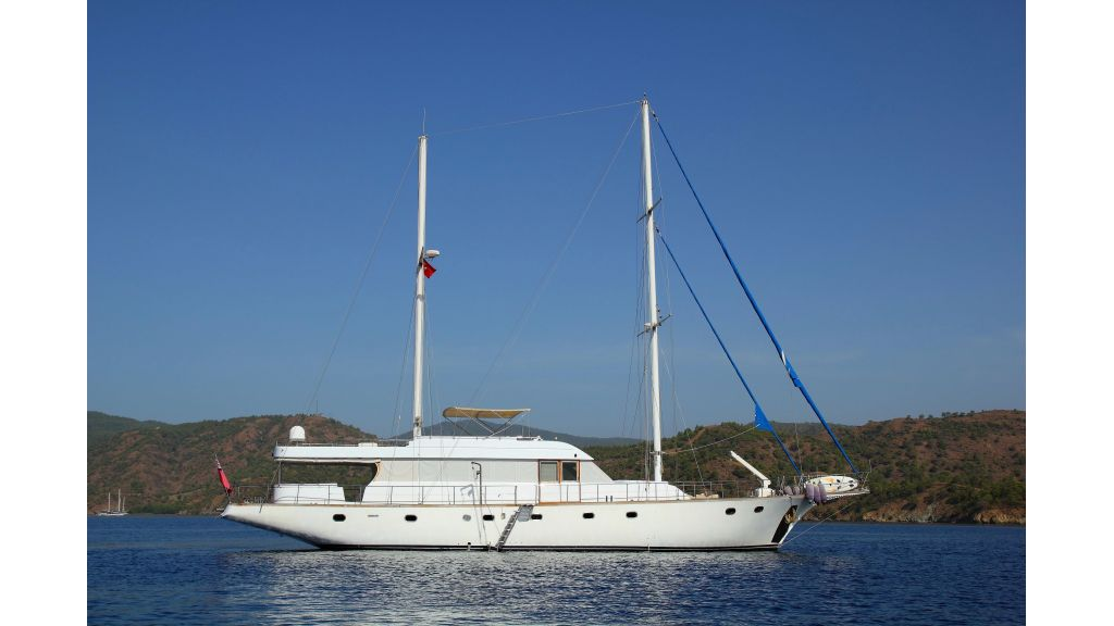 Custom Design Motor Sailer (10)