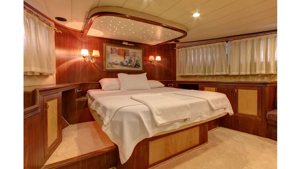Custom Design Motor Sailer (41)