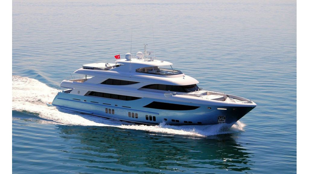 exclusive-motoryacht-for-sale-2