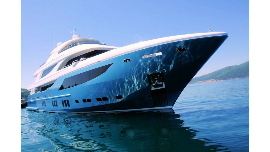 exclusive-motoryacht-for-sale-3