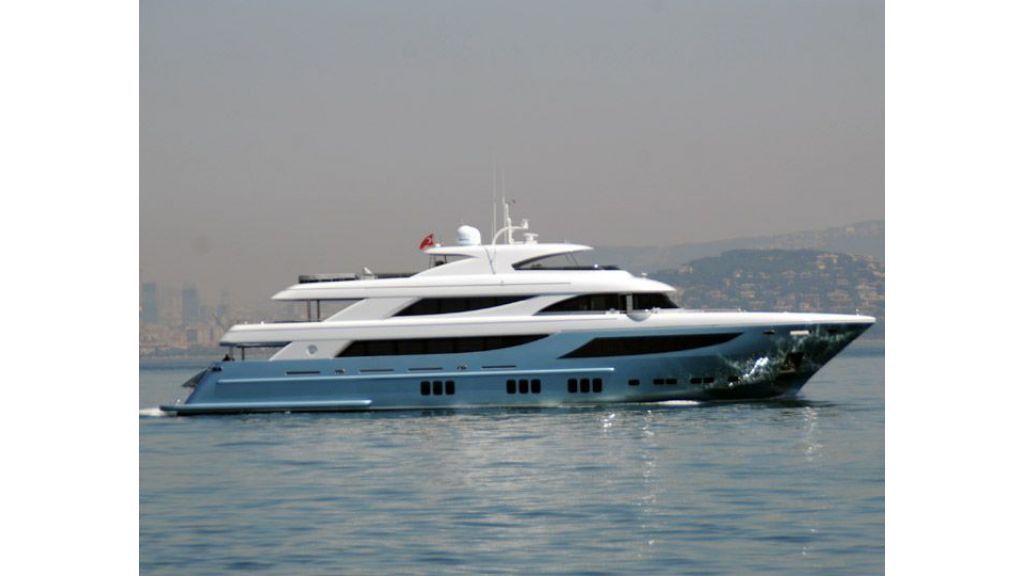 exclusive-motoryacht-for-sale-7