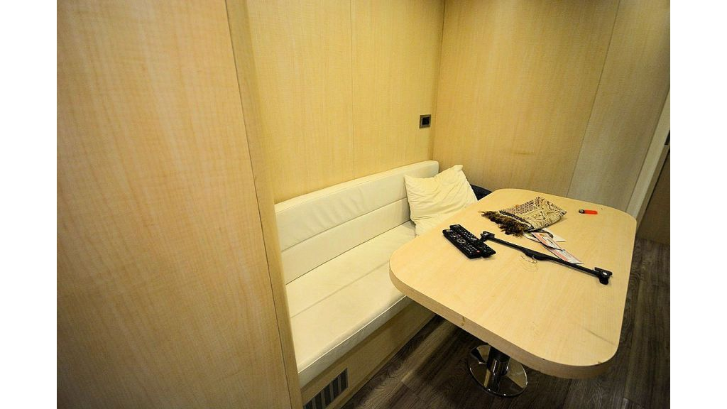 exclusive-motoryacht-for-sale-interior-91