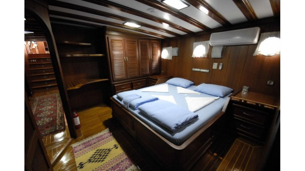 8_Cabins_charter_gulet_for_sale (2)