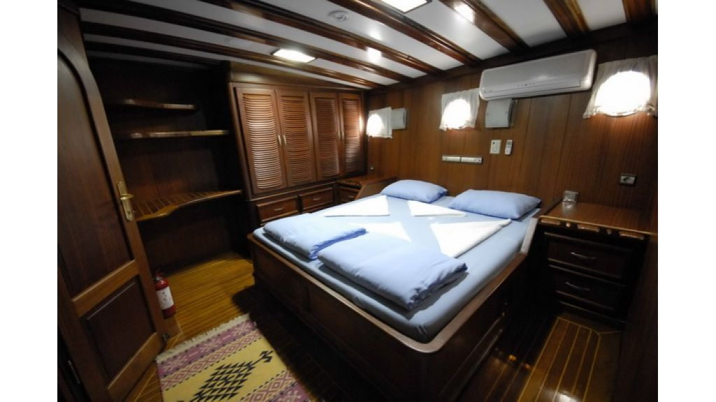 8_Cabins_charter_gulet_for_sale (3)