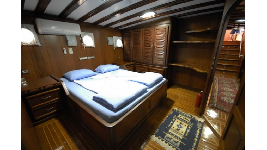 8_Cabins_charter_gulet_for_sale (5)