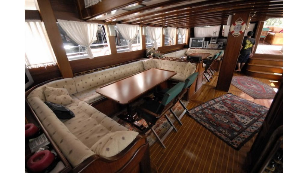 8_Cabins_charter_gulet_for_sale (6)