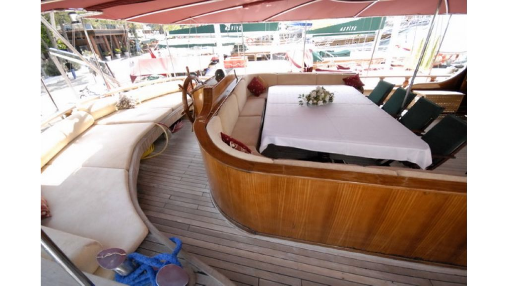 8_Cabins_charter_gulet_for_sale (14)