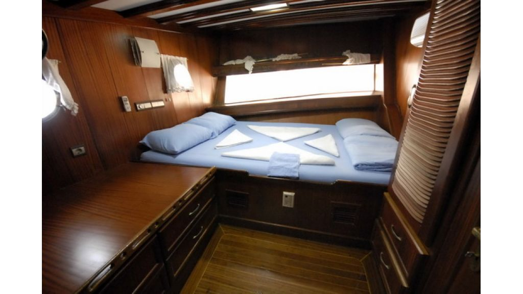 8_Cabins_charter_gulet_for_sale (15)