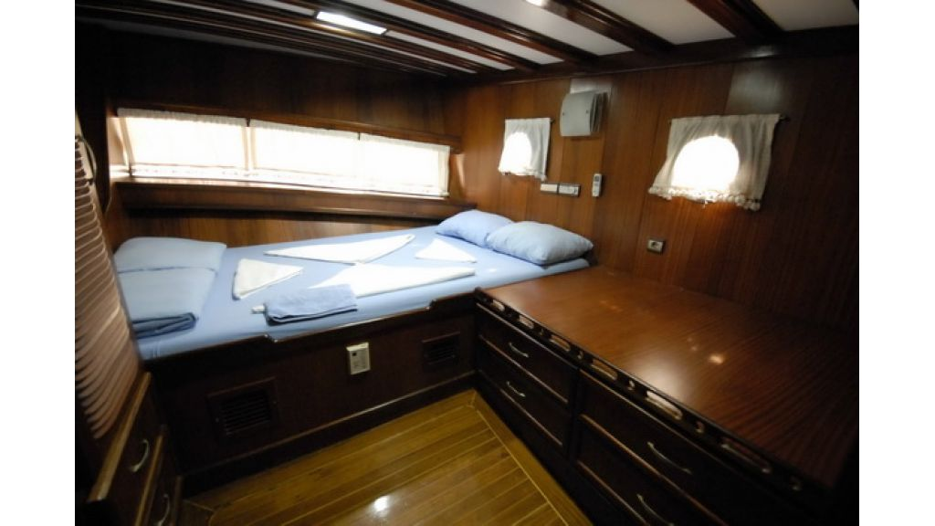 8_Cabins_charter_gulet_for_sale (16)