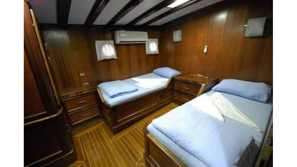 8_Cabins_charter_gulet_for_sale (17)