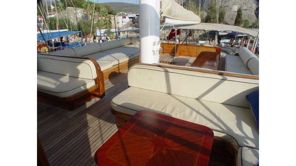Turkish_Charter_Yacht_for_Sale (14)