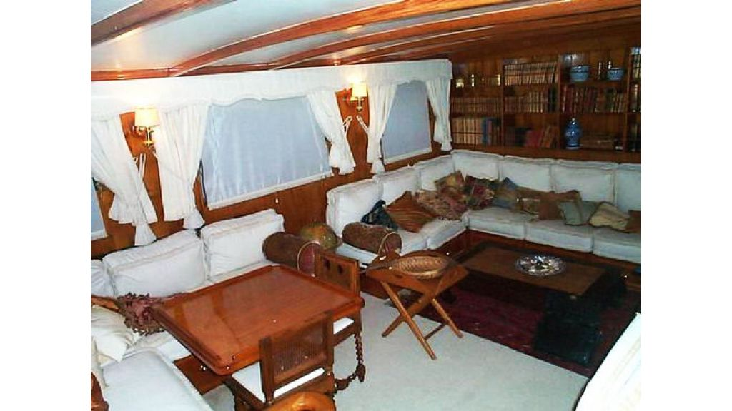 Turkish_Charter_Yacht_for_Sale (17)