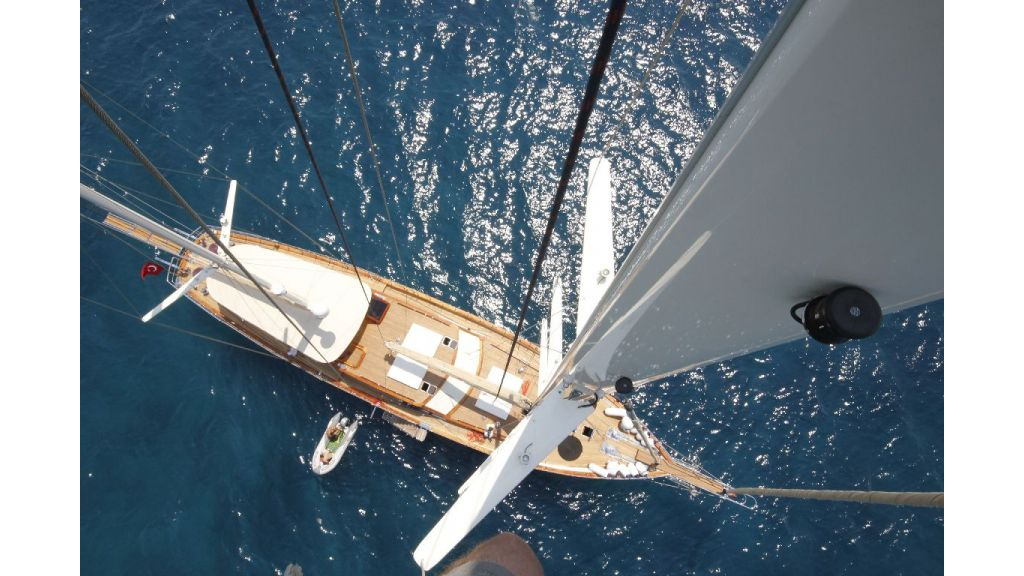 2012 Built Motor sailing yacht (13)