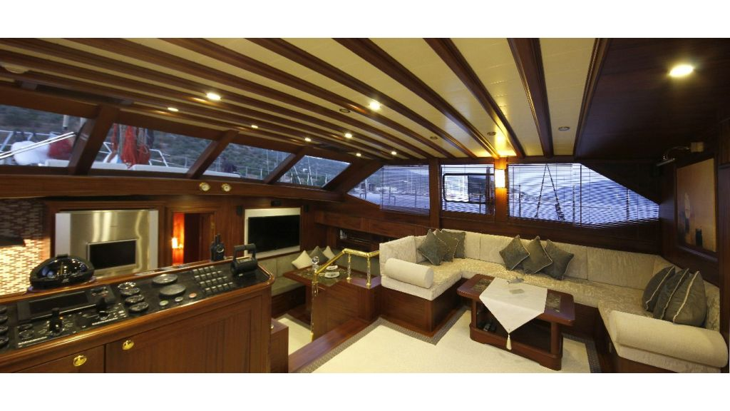 2012 Built Motor sailing yacht (16)