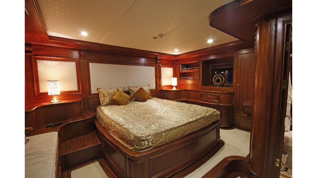 2012 Built Motor sailing yacht (4)