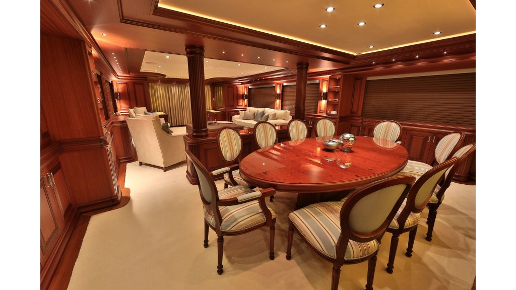 2012 Classic-design motor yacht master