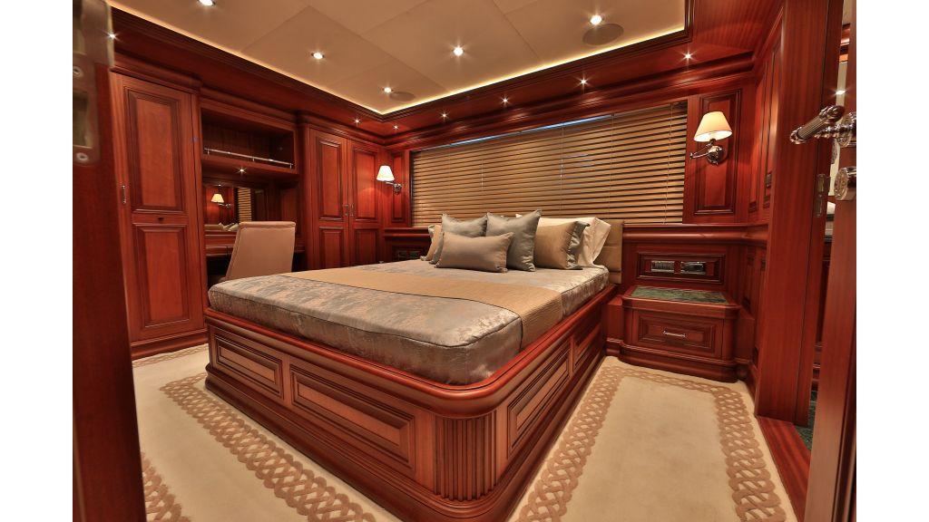 2012 Classic design motoryacht (100)