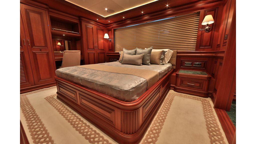 2012 Classic design motoryacht (101)