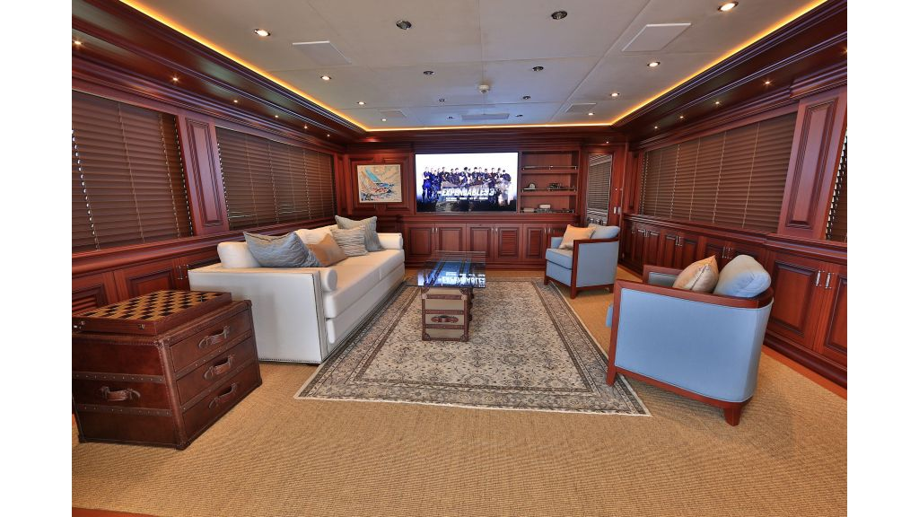 2012 Classic design motoryacht (111)