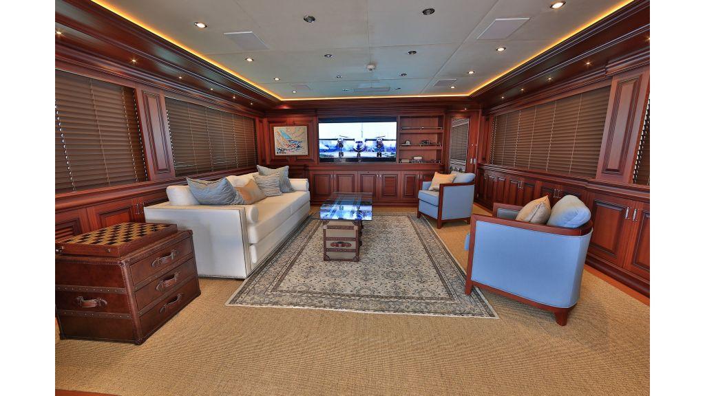 2012 Classic design motoryacht (112)