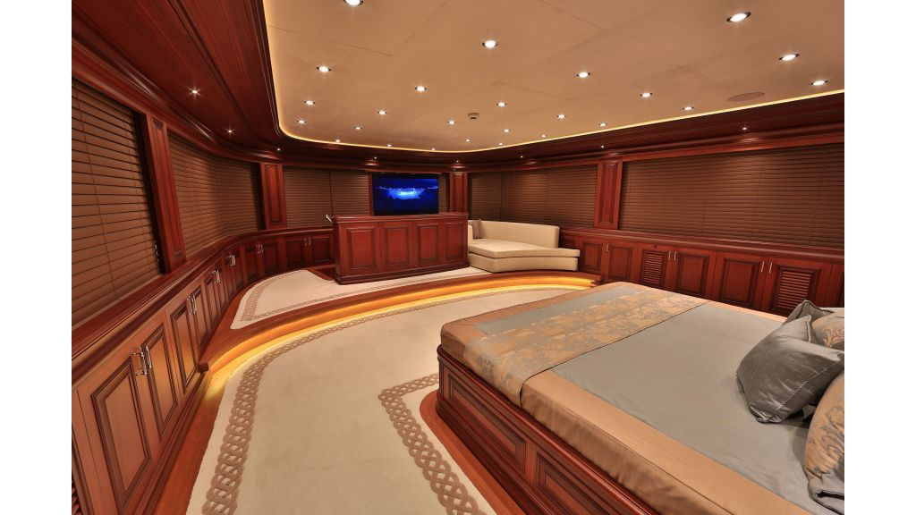 2012 Classic design motoryacht (119)