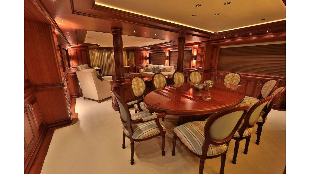 2012 Classic design motoryacht (127)
